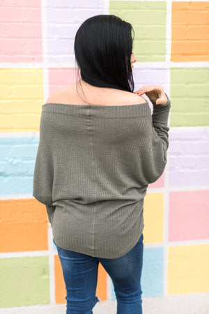 HOLD ME CLOSE TOP GRAY OLIVE