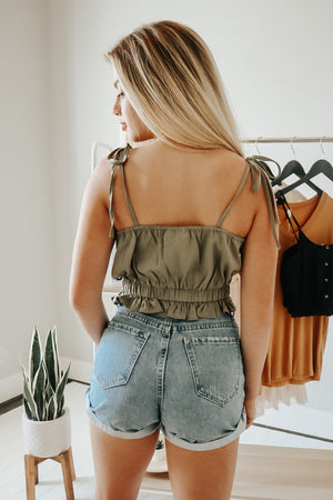 NO STRINGS ATTACHED CROP TOP OLIVE
