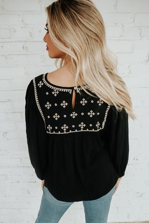 LOVE BY THE MOON TOP BLACK