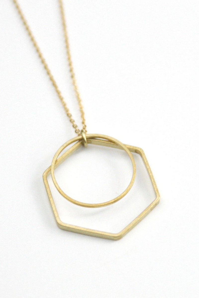 GEOMETRIC LAYER NECKLACE