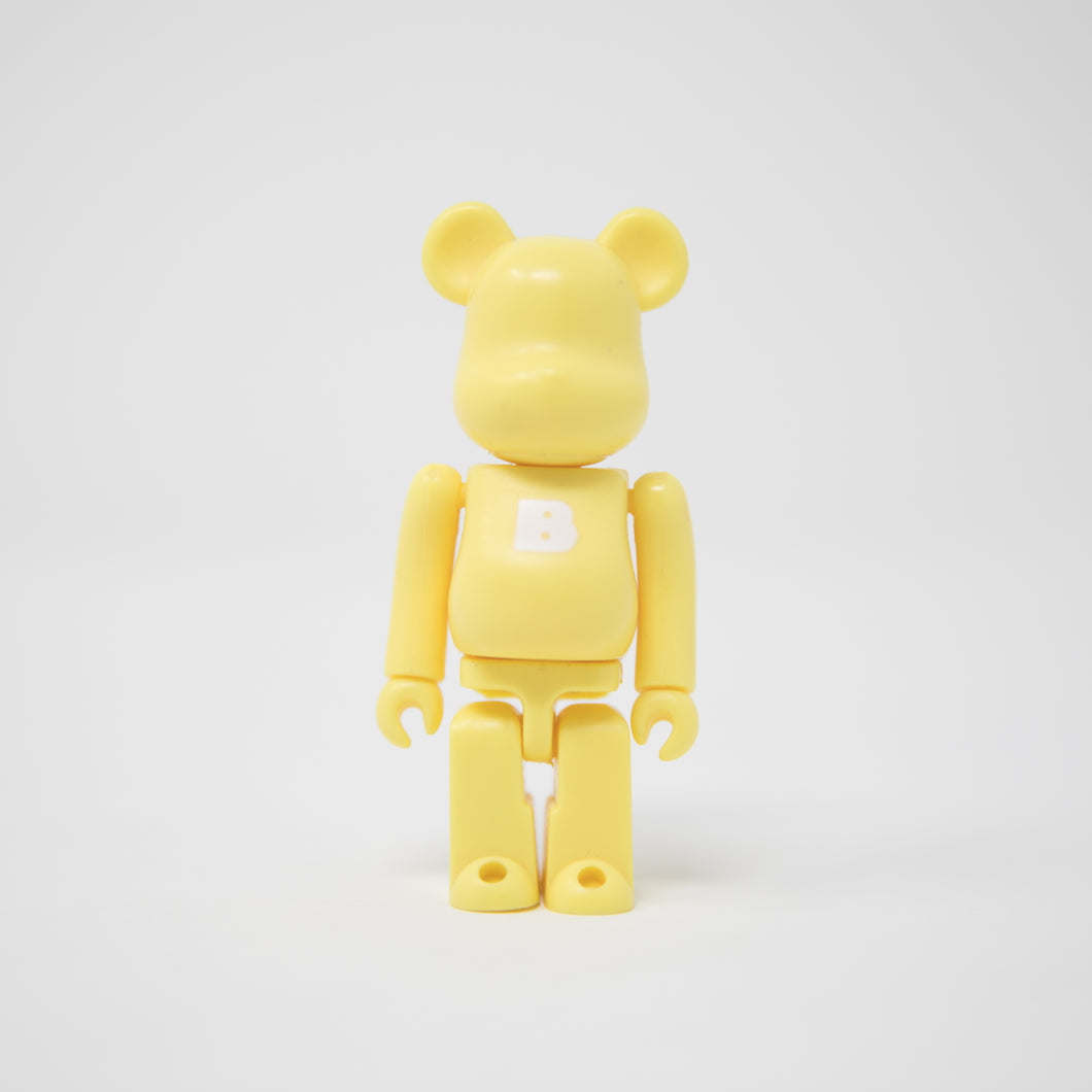 Medicom Toy BEARBRICK Cream Yellow Letter b - Basic Series 17 100% Figure (MINT)