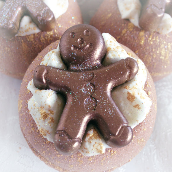 Gingerbread bath bomb truffle