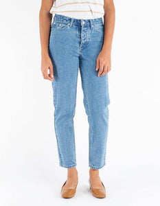 Assembly Label Rigid High Rise Jean - Ashbury Blue