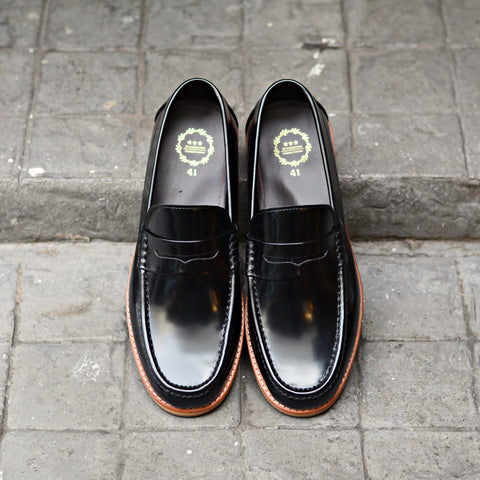 703-2 Wide Front Penny Loafer Black
