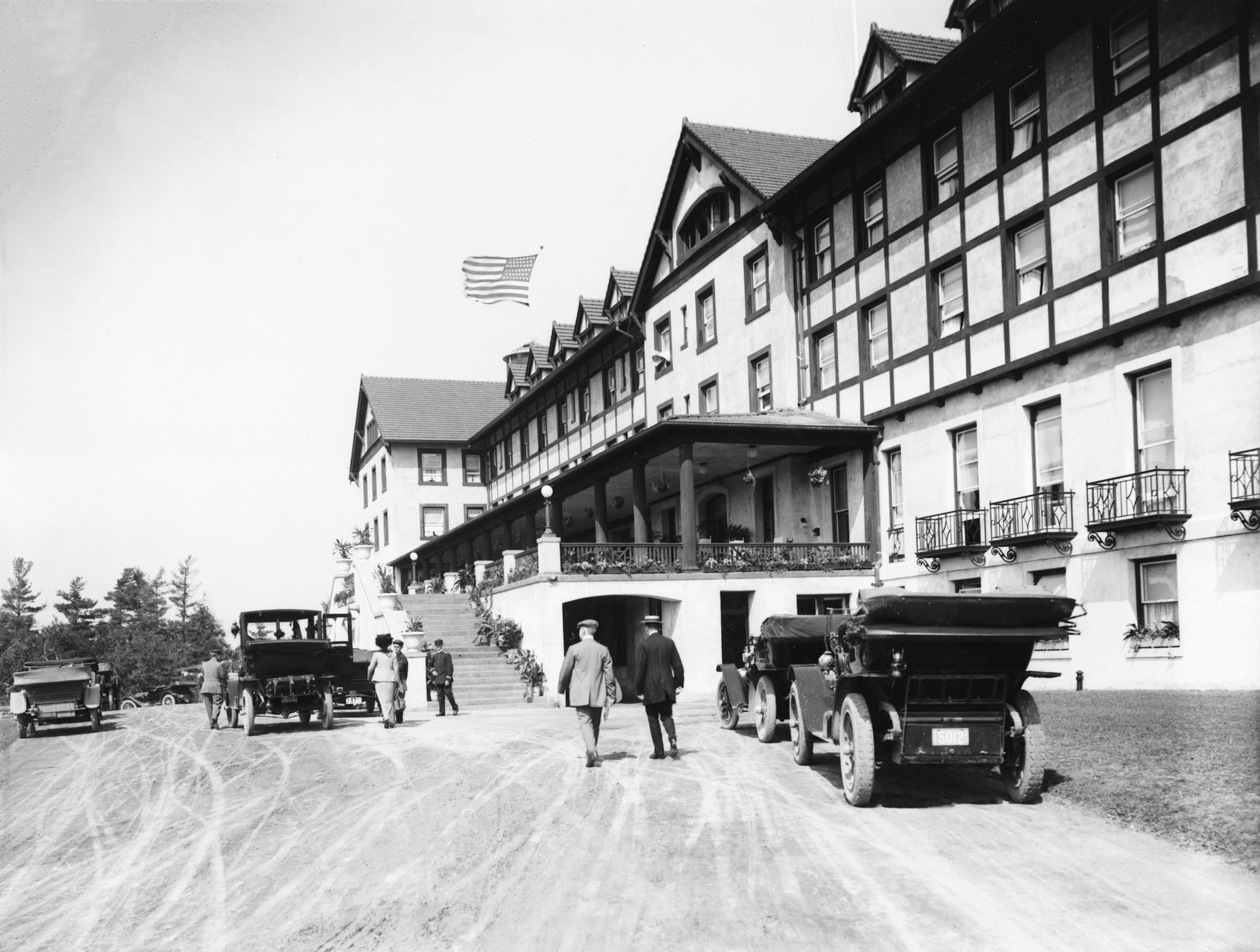 People outside of Hotel Champlain in Plattsburgh, 1912. It opened after the original had burned down in 1910. -- Clinton Community College Foundation