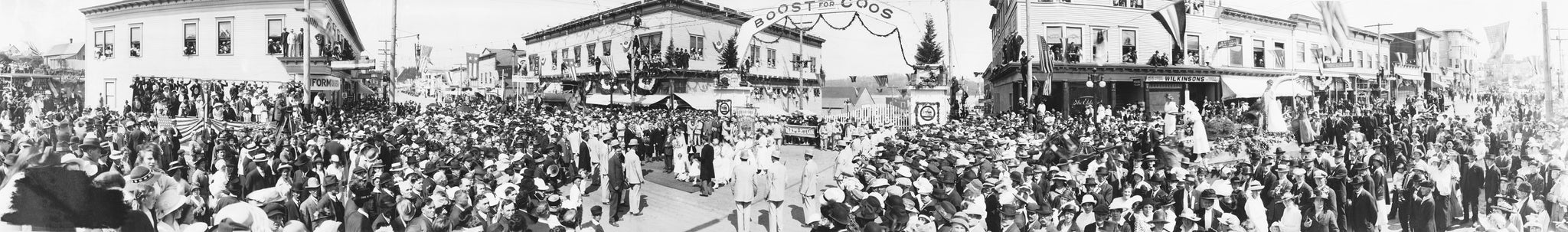 Wedding of Miss Coos Bay to Mr. Eugene Lane during the Railroad Jubilee, August 1916. -- Courtesy Coos History Museum & Maritime Collection / #008-31.2
