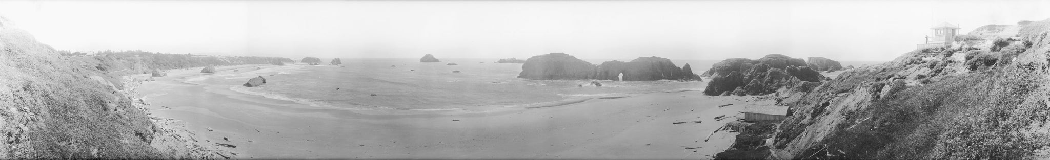 Lookout Point at Bandon's Coquille Point, including the U.S. Life Saving Service lookout and boathouse, circa 1914. -- Courtesy Bandon Historical Society Museum