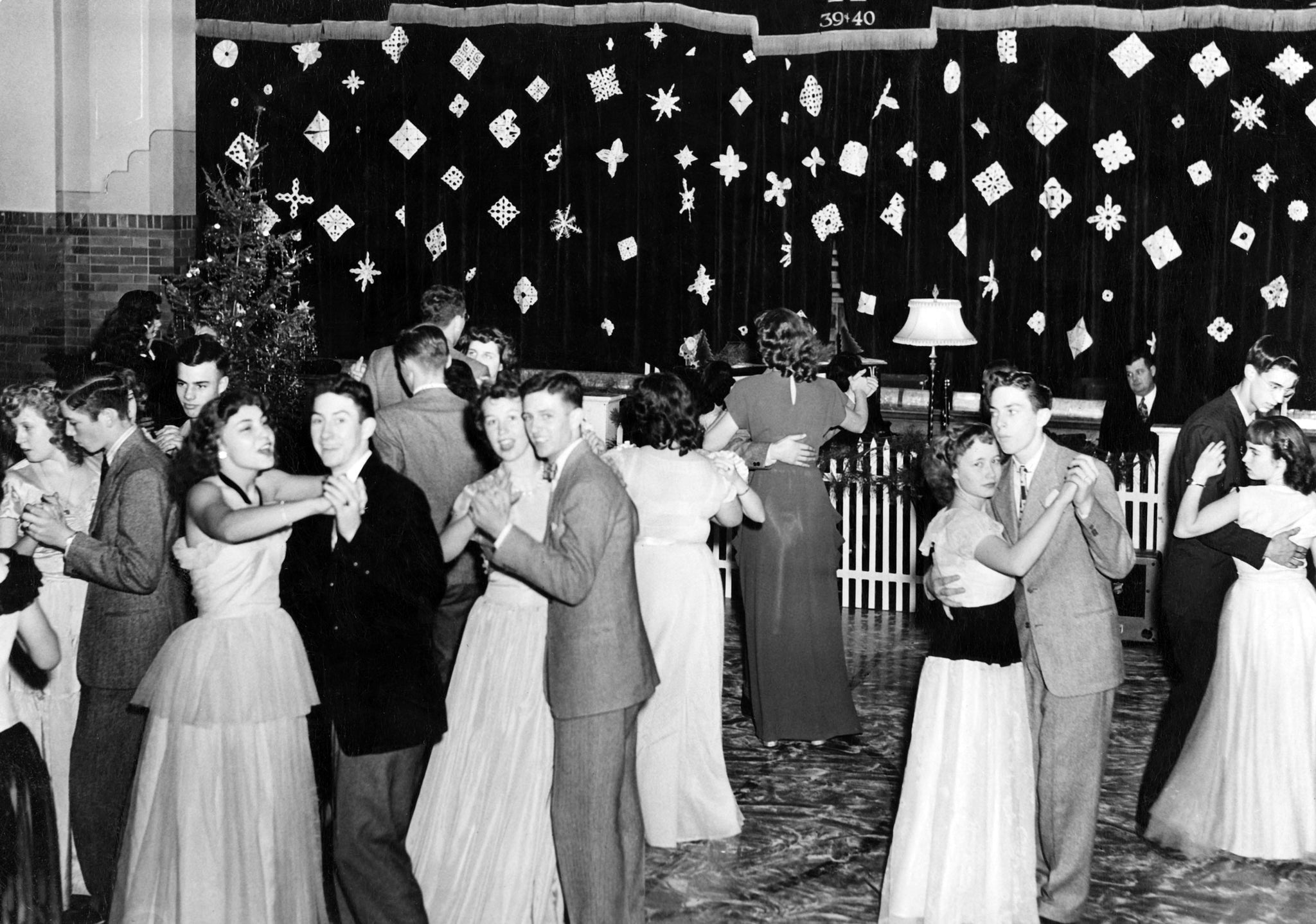 The Argenta Christmas dance, held in the high school gym, December, 1947. -- Priarie River Historical Society