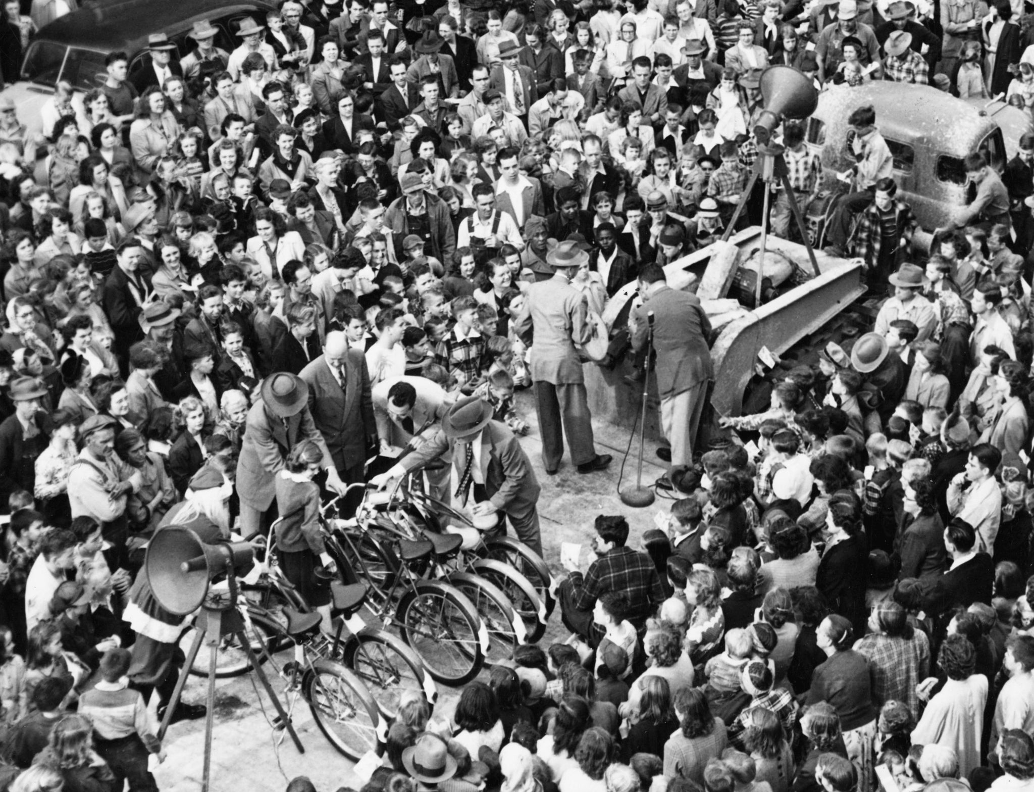 Acme-McCrary bicycle raffle, Asheboro, December 8, 1951. -- Randolph County Public Library