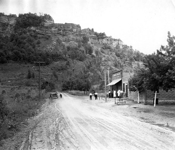 A view of Bluffside Tavern at the east end of Main Street near Grandad Bluff, circa 1915. -- Courtesy La Crosse Public Library and La Crosse County Historical Society / pc007-01-28-002
