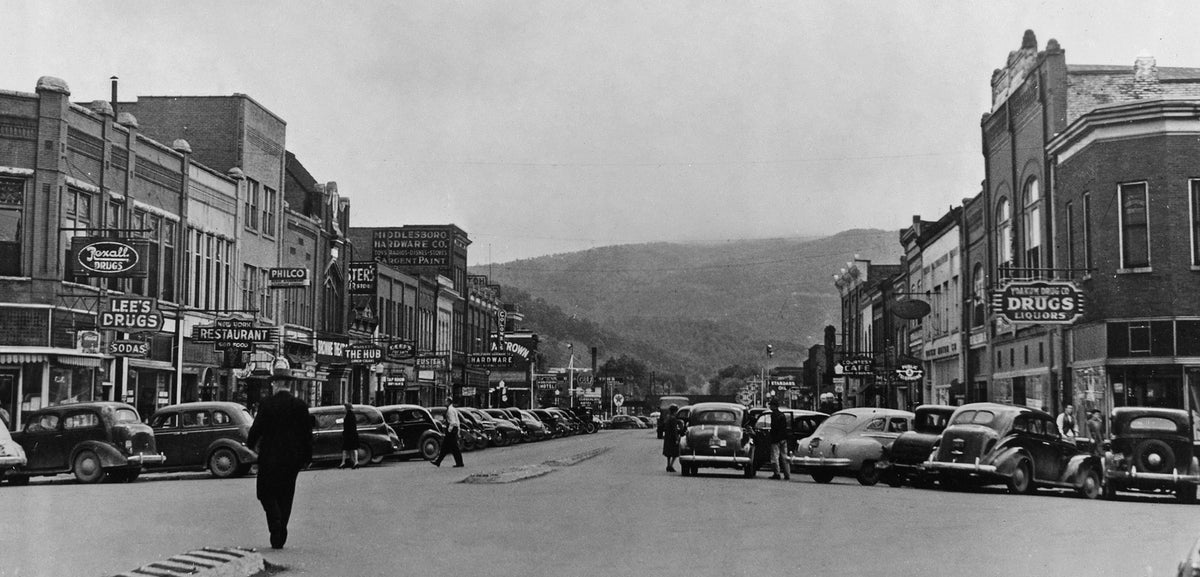 life in eastern kentucky  a pictorial history