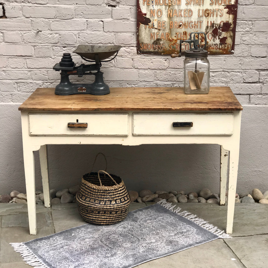 10% OFF! Early 20th Century Country Table
