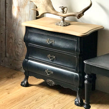 Early 20th Century Oak Chest of Drawers (sold)