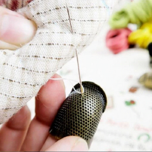 Retro-Style Finger Protector Thimble for Sewing