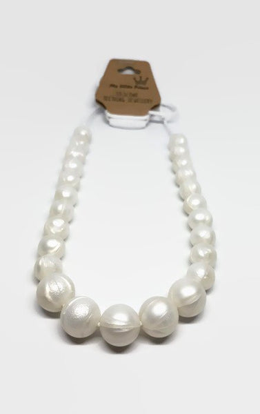 Pearl teething necklace