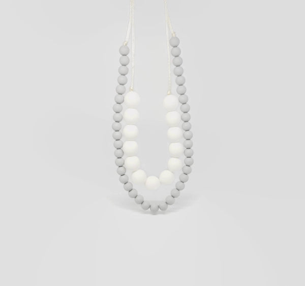 Silicone teething necklace for mum