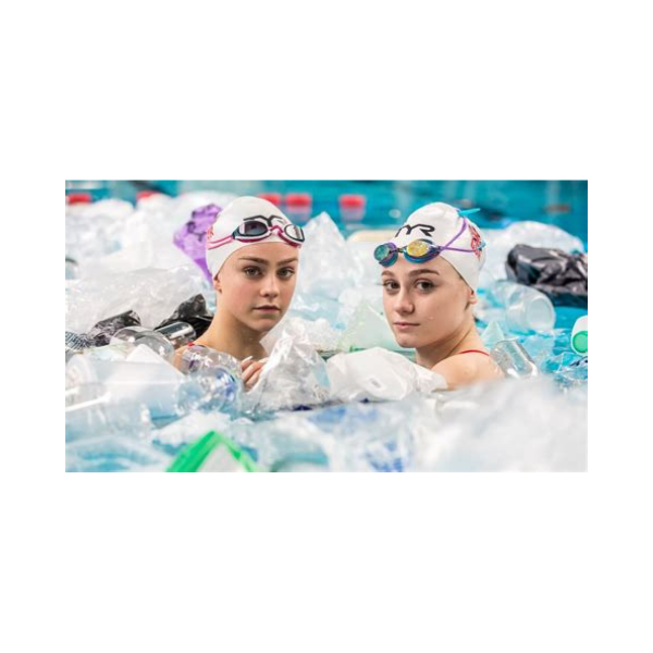 Synchronised swimmers tackle plastic pollution