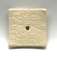 Load image into Gallery viewer, Ceramic soapdish floral square
