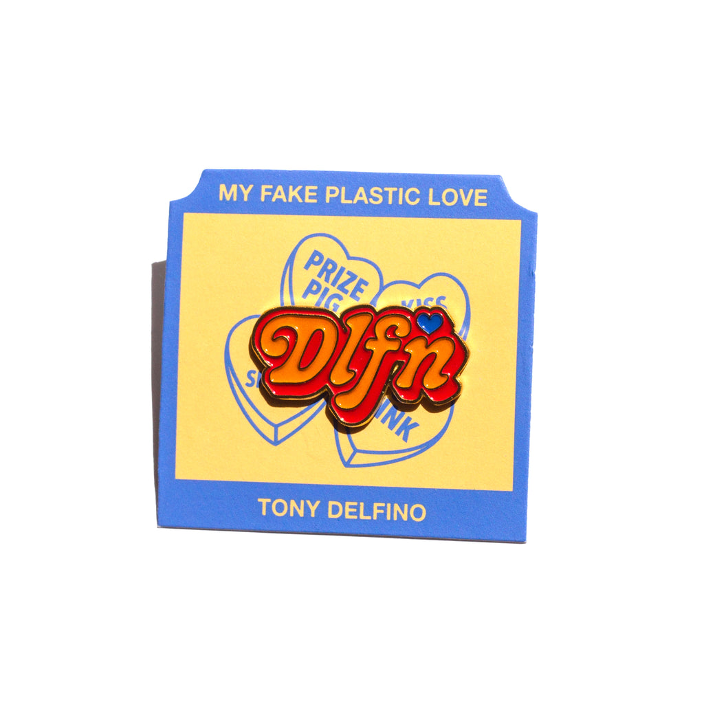 LOVE LOGO PIN