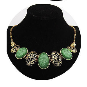 Vintage European Style Hollow Flower Carved Oval Gem Stone Choker Necklace