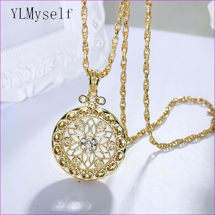 18ab9ff06 Flower crystal magnifying glasses for reading Pendant necklace womens  fashion Magnifier Long chain necklaces - Eyeglass