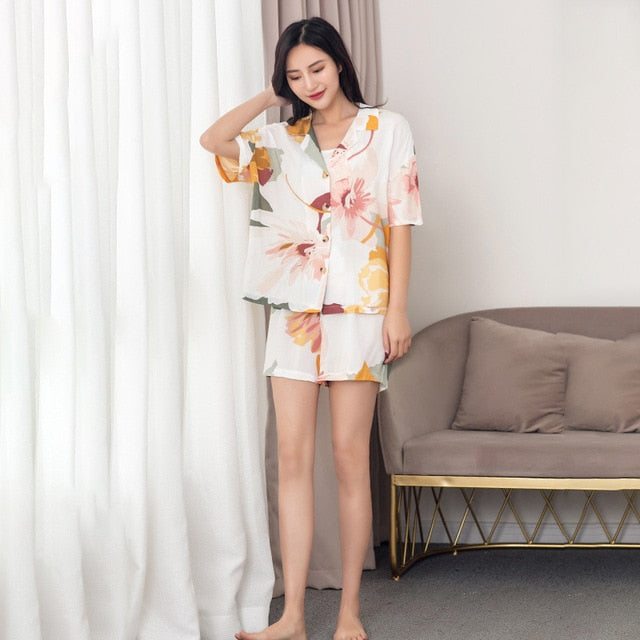 Pajamas Set with Leaves Pajamas Women's Short-sleeved Cropped Trousers Large Size Loose Style Home Clothes