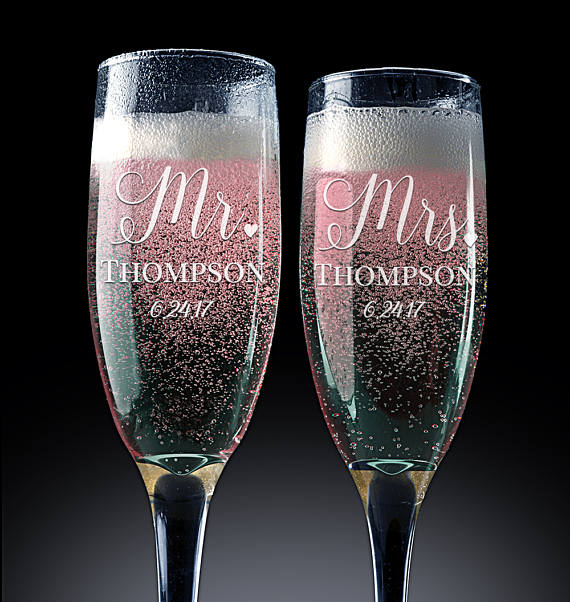 Personalized Bridal Champagne Flutes Mr & Mrs.Wedding  Custom Glasses, Custom Wedding Gift Bridal
