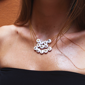 Collier RISE & SHINE - Pompons et Coquillages