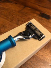 Razor - Amphibious : M-Series - Six Shooter Shaving