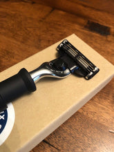 Razor - Tactical : M-Series - Six Shooter Shaving