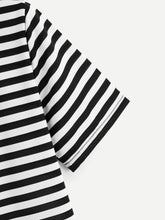 Load image into Gallery viewer, Heart Pattern Striped Tee