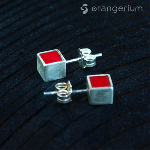 POINT - SILVER STUD EARRINGS