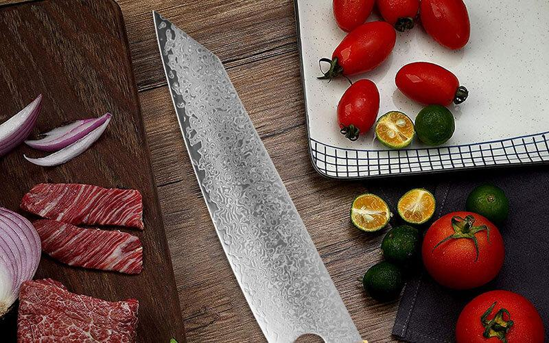 What's the difference between forged kitchen knives and stamped knives?