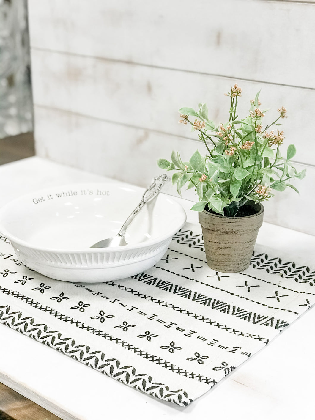 Soma Jacquard Placemat - The Rustic Barn CT
