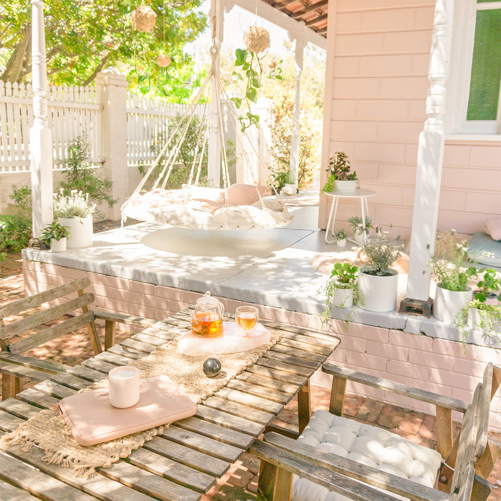 How To Host The Perfect Summer Garden Party