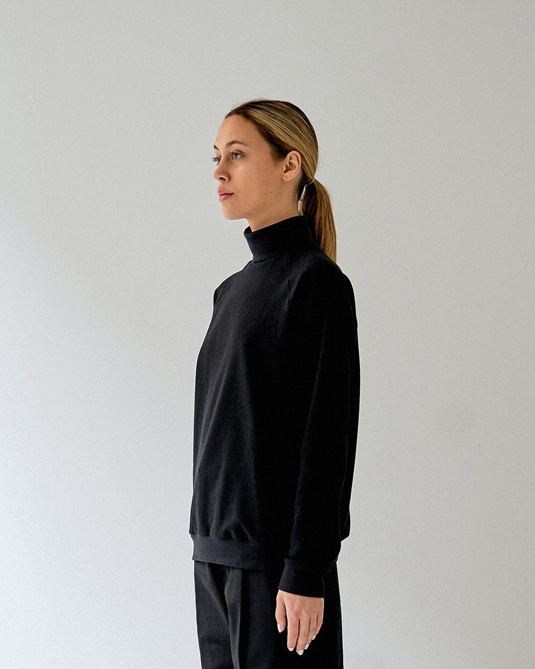 alba turtleneck black unisex