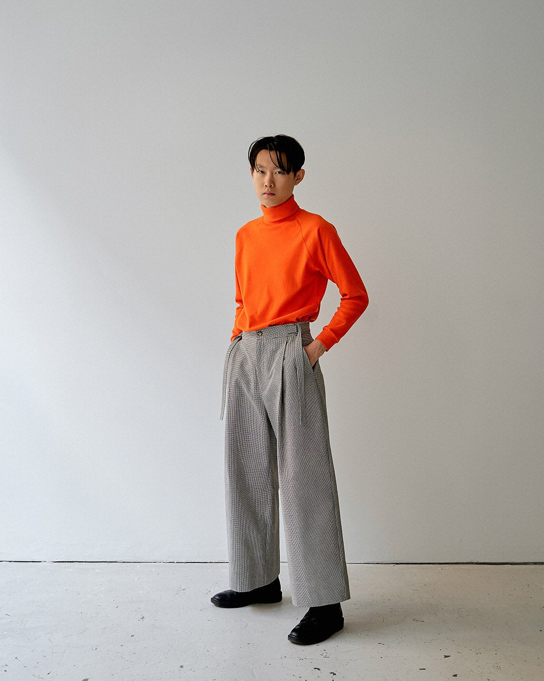 turtleneck orange unisex alba veri montreal