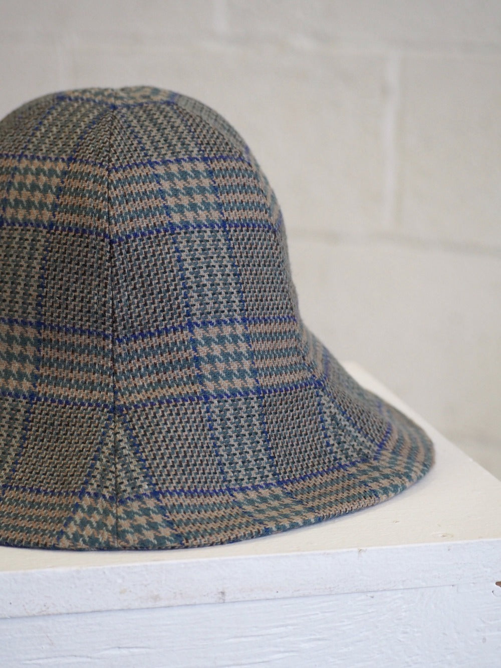 cloche chapeau à carreaux unisexe non-genré london veri montreal clothing