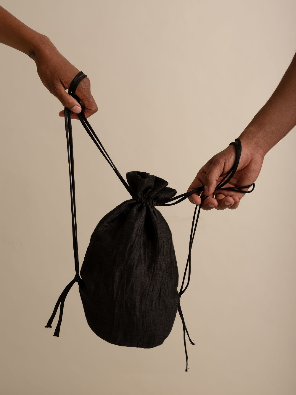 bag black Drawstring pao unisex genderless clothing montreal veri