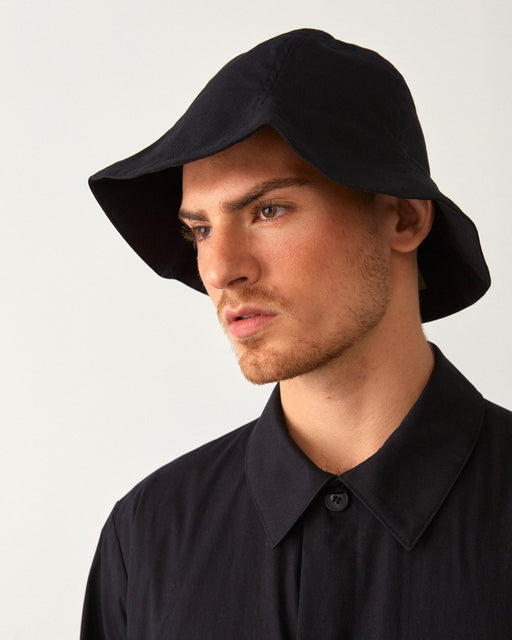 cloche hat black unisex genderless london veri montreal clothing