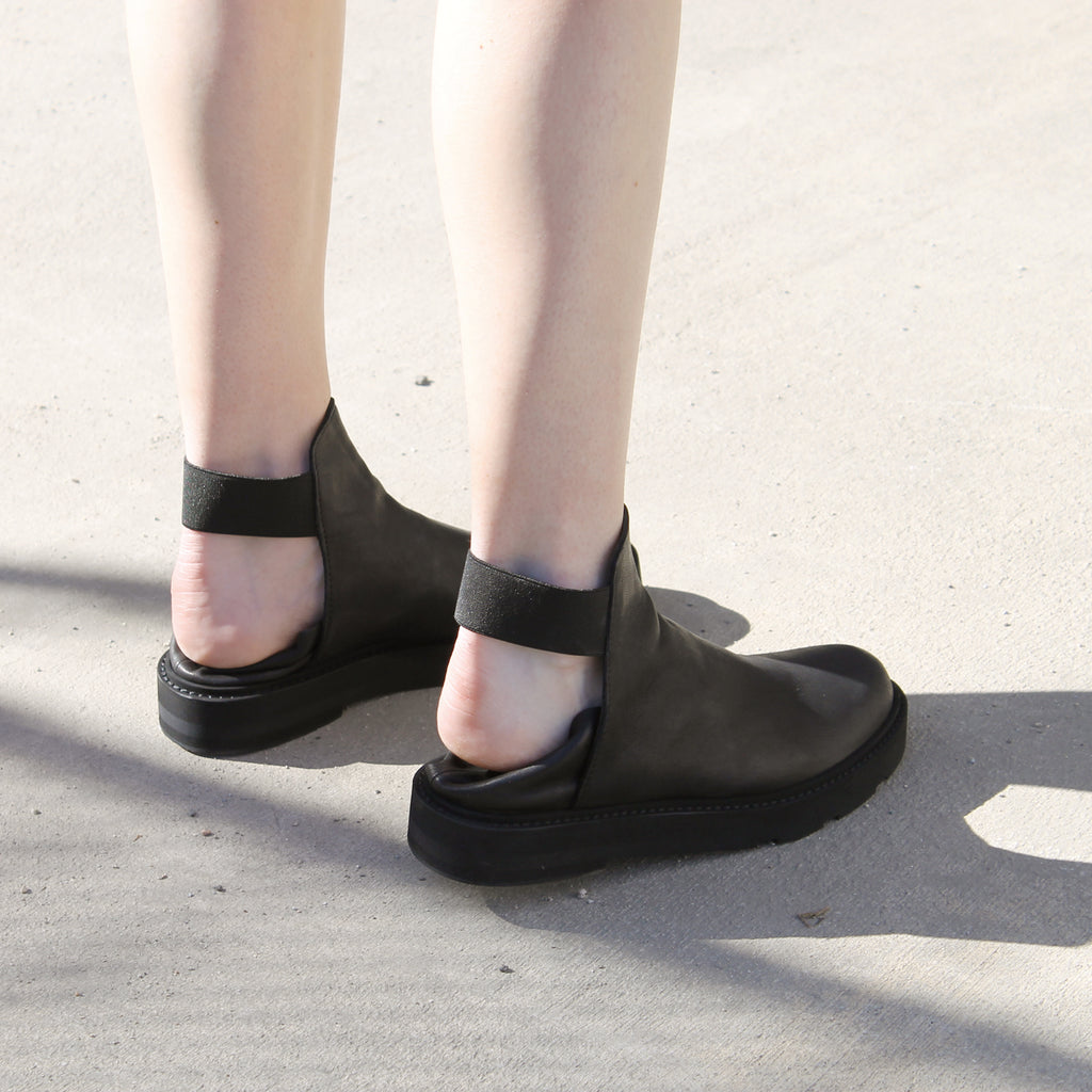 SIZE 35 - THE GRID BLACK