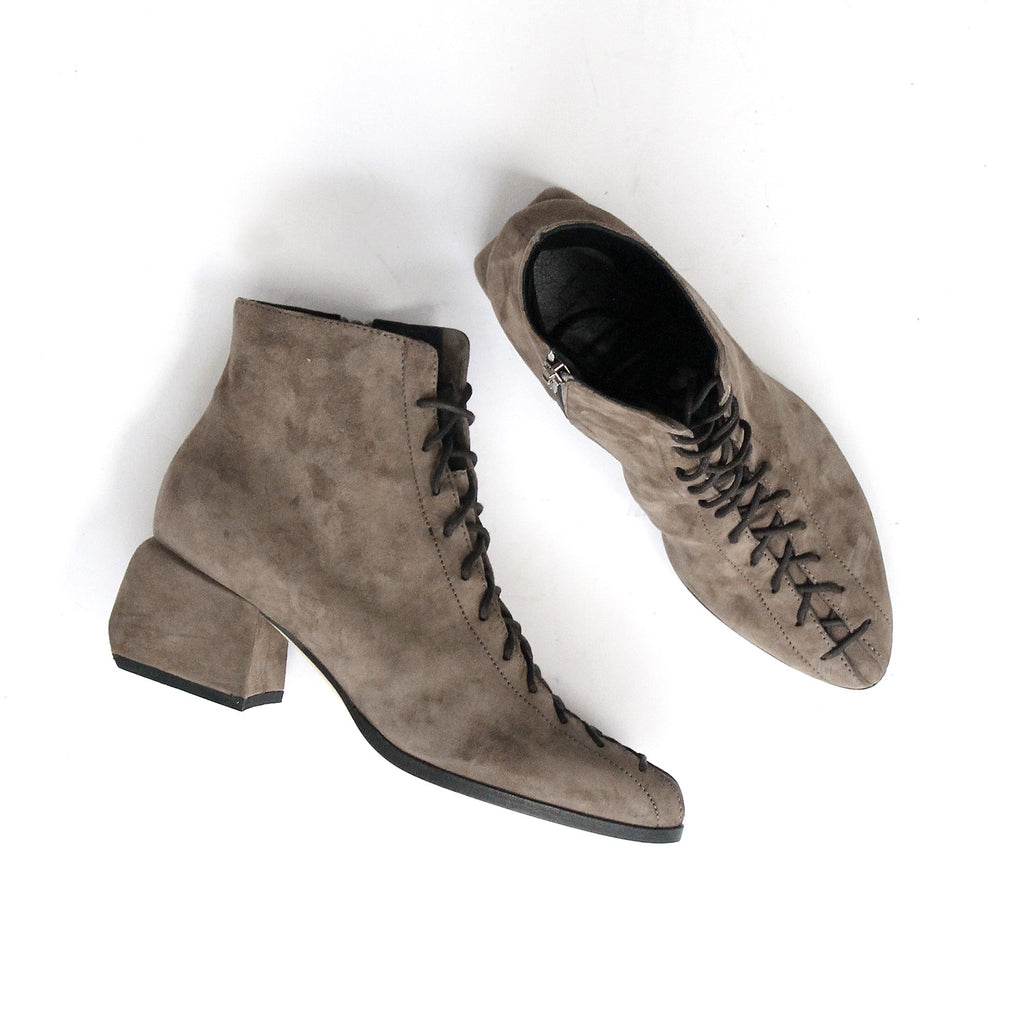 SIZE 37 - THE UNION BISON