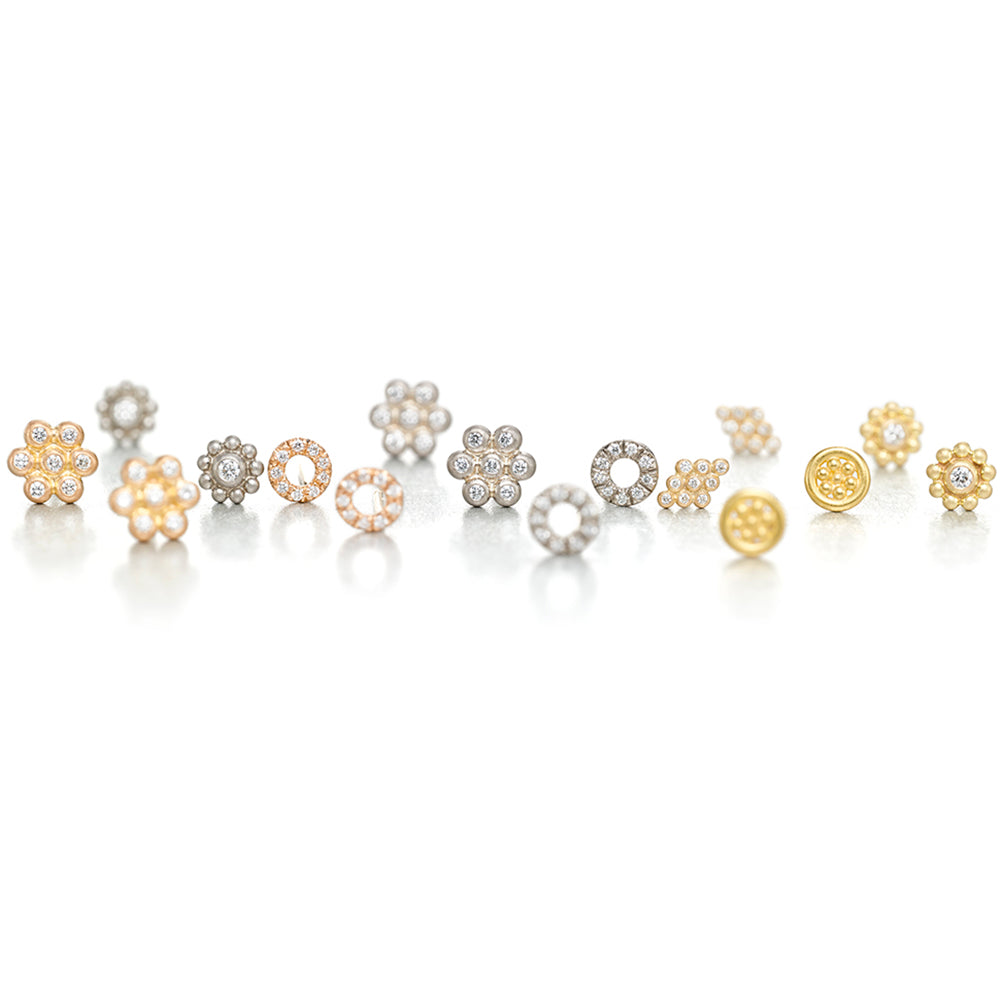 Daisy Studs in 18k White Gold