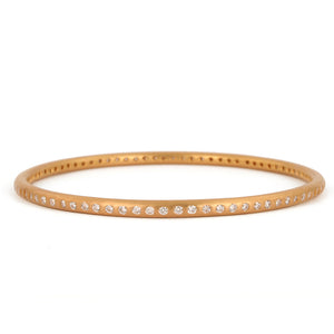 Round Bangle with diamonds in 20kpg
