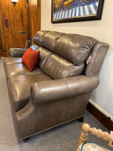 Load image into Gallery viewer, Leathercraft 1180 Noland Sofa