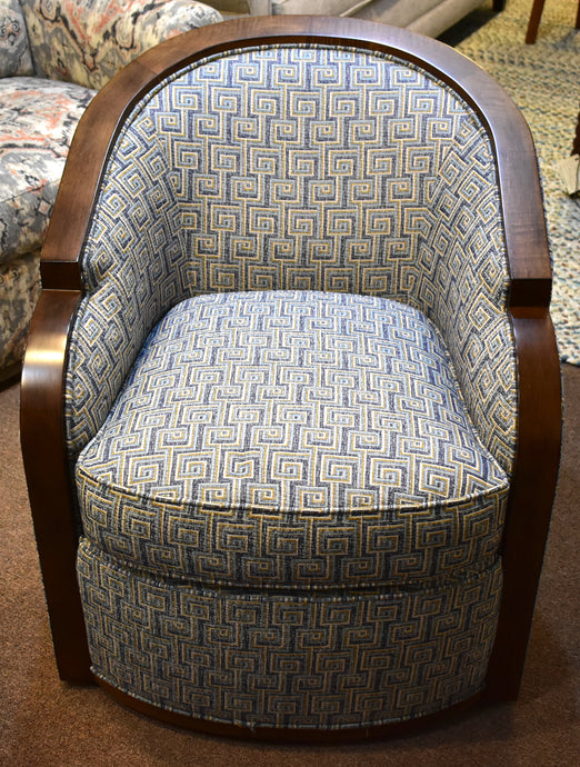 Wesley Hall Gracious Swivel Chair