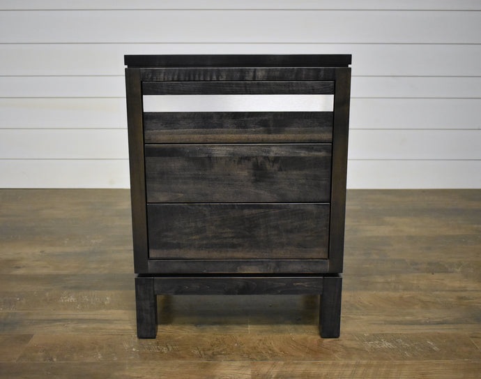 Cuvshire 3-Drawer Nightstand
