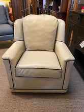 Load image into Gallery viewer, Leathercraft 2692 Fallon Swivel Chair