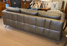Load image into Gallery viewer, Leathercraft 1680 Fergie Sofa