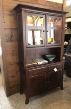 Load image into Gallery viewer, Williamson Hartford 2 Door Hutch